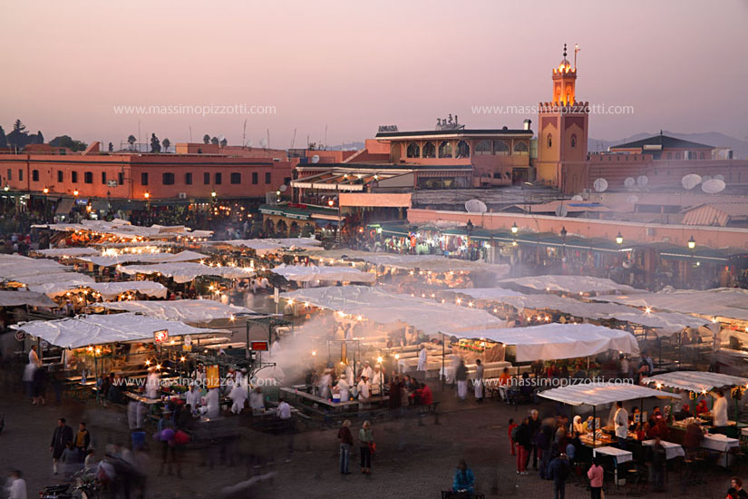 Morocco, Marrakech, Djemaa el fna square at dusk