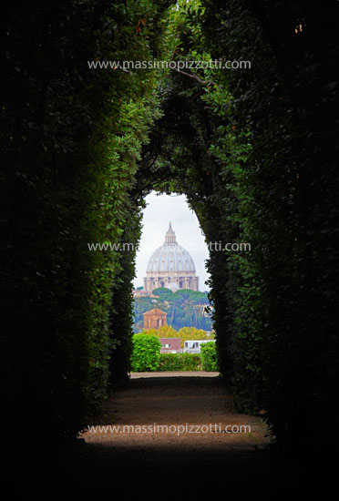 Italy, Rome, Saint Peters dome seen from the keyhole