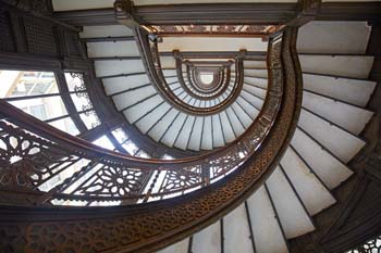 <b>USA, Chicago</b>, Spiral staircase at Rookery building