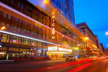 <b>USA, Chicago</b>, Chicago theater with light trails
