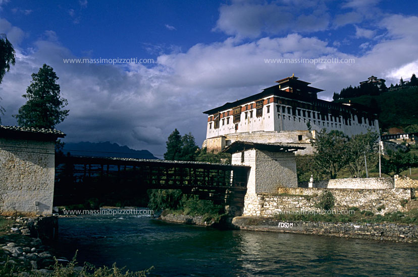 Bhutan, Paro, A classic view of the wonderful dzong