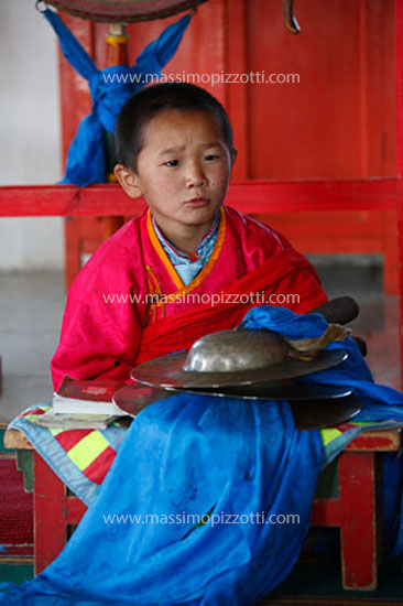 Mongolia, Ongy, Little monk at reading
